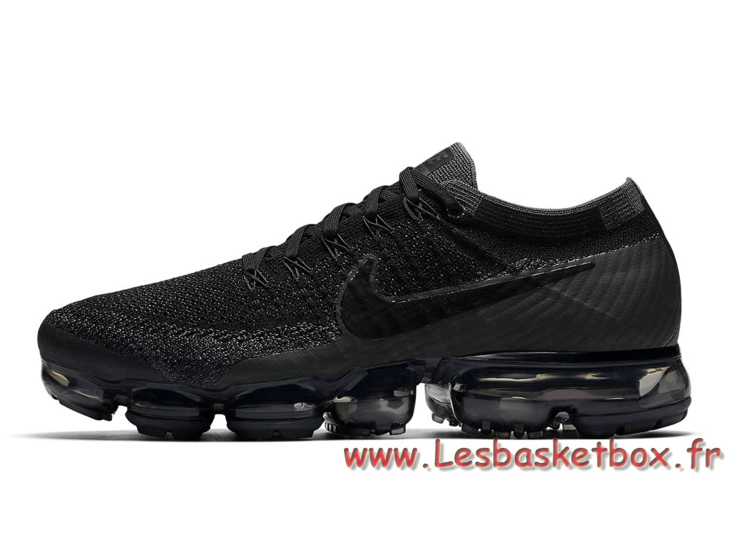 chaussure de running nike air vapormax flyknit triple black 849558 007 pour homme nike release. Black Bedroom Furniture Sets. Home Design Ideas