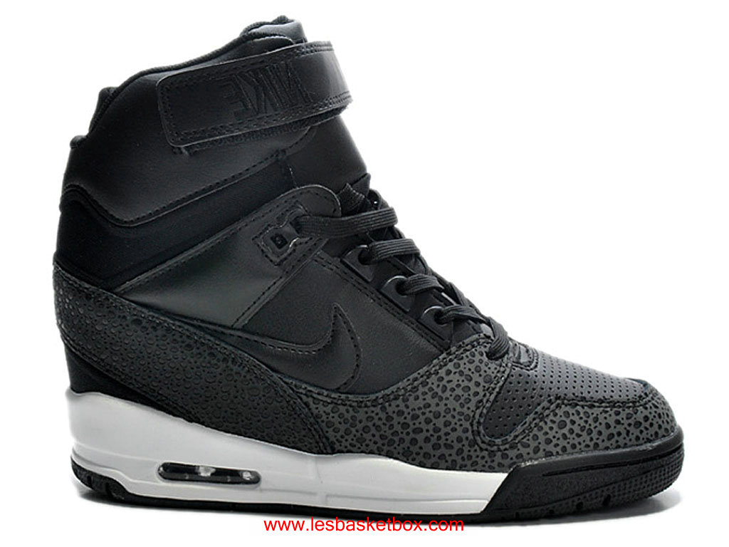 nike chaussures femme les prix de nike air revolution sky hi liberty femme pas cher 1609040185. Black Bedroom Furniture Sets. Home Design Ideas