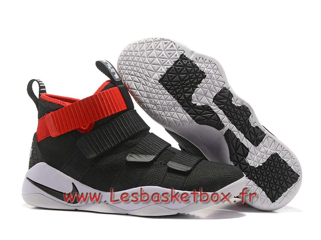 57a3069fad788 ... Nike LeBron Soldier 11 Noir Rouge Blanc Chaussures Nike Basket Prix  Pour Homme ...