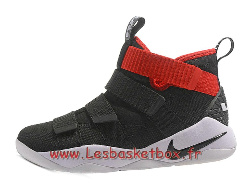 97b16576c2fc4 Nike LeBron Soldier 11 Noir Rouge Blanc Chaussures Nike Basket Prix Pour  Homme ...