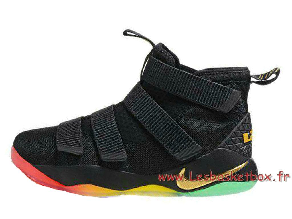 outlet store 05c6d 37efe Nike LeBron Soldier 11 Noires/Couleur Chaussures basket nike pas cher Pour Homme  Noires ...