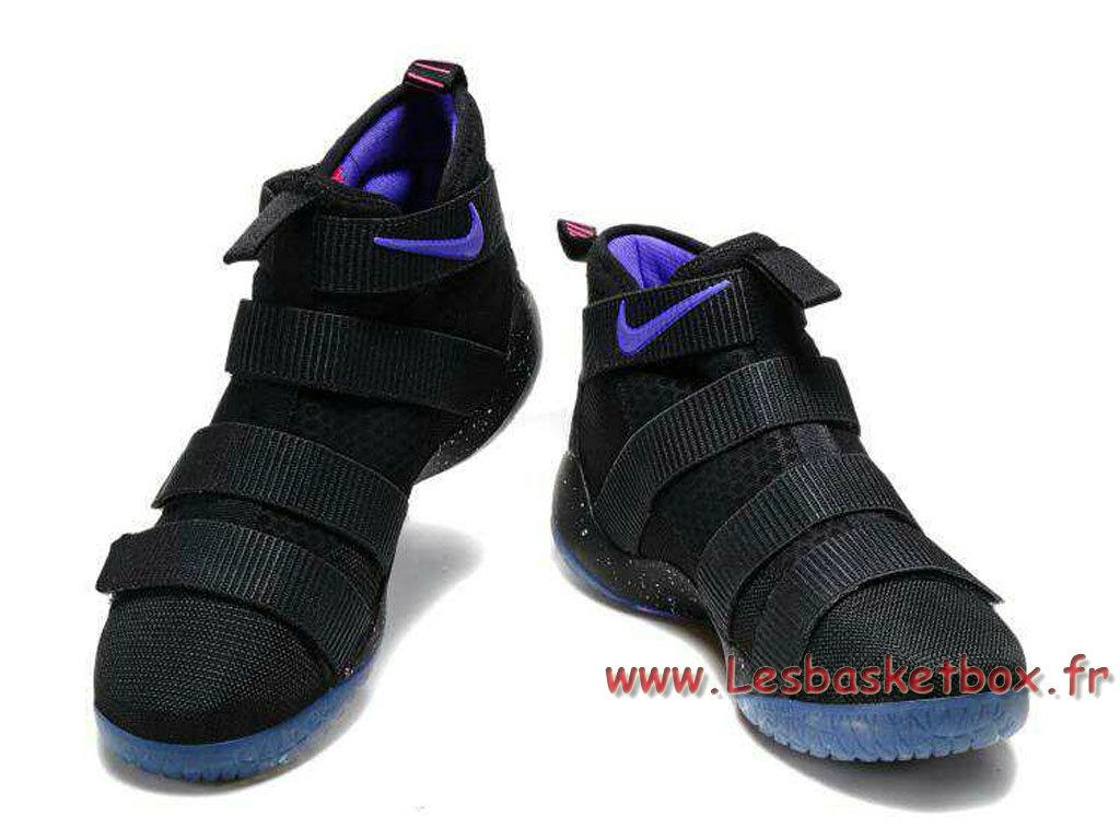 best cheap ddafe f8881 ... Nike LeBron Soldier 11 Noires Pourpre Chaussures basket nike pas cher  Pour Homme Noires ...