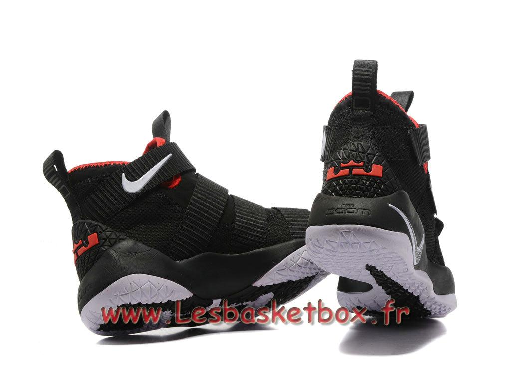 1a6e49047516f ... Nike LeBron Soldier 11 Noires Rouge Chaussure Nike Basket Prix Pour  Homme