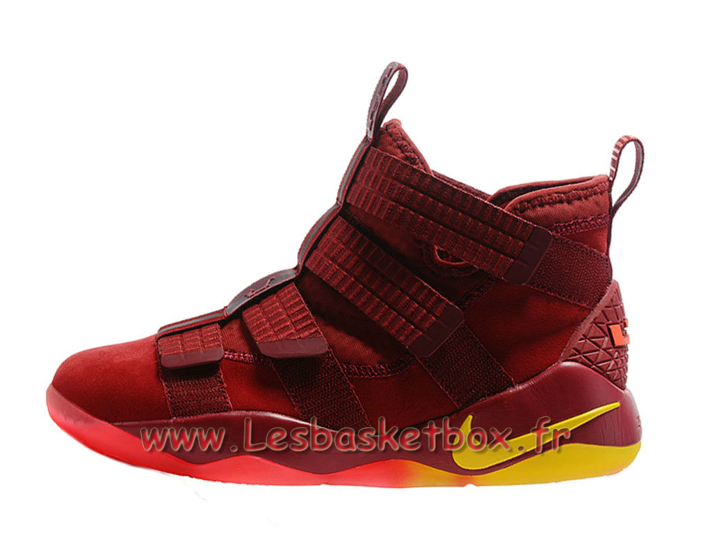 Nike LeBron Soldier 11 Rouge Chaussures Officiel NIke Prix Pour