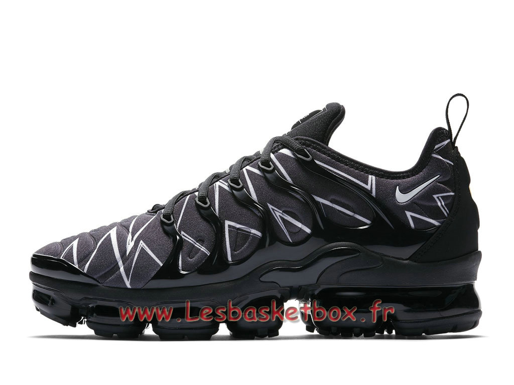 best cheap 8c276 b7600 Running Nike Air Vapormax Plus White Black La Requin aj6312-001 Chaussures  Nike Pas cher ...